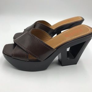 Beautiful and funky heeled KORS sandals!